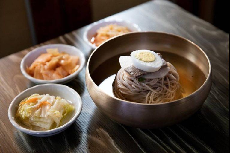 Receta de Naengmyeon coreano